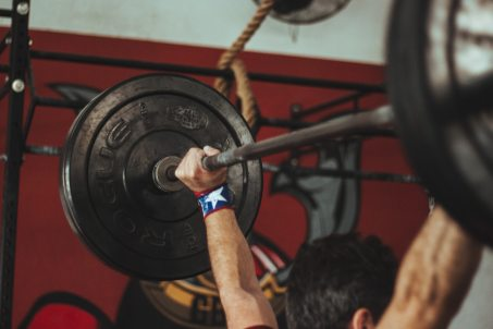 athlete-barbell-body-Victor Freitas
